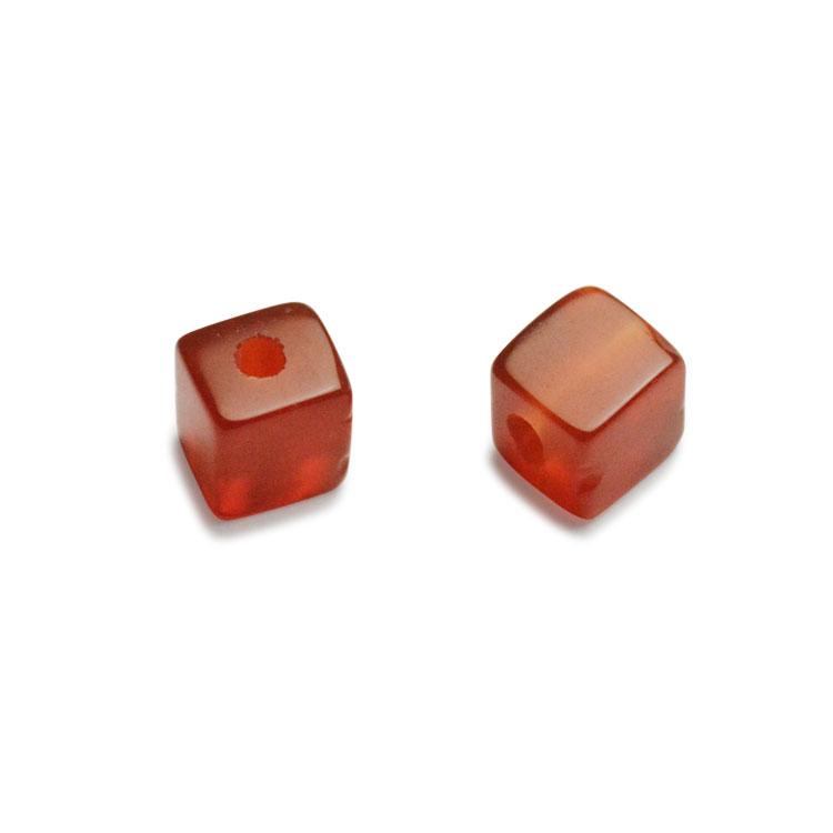 天然石 / キューブ / 赤メノウ / 約4mm