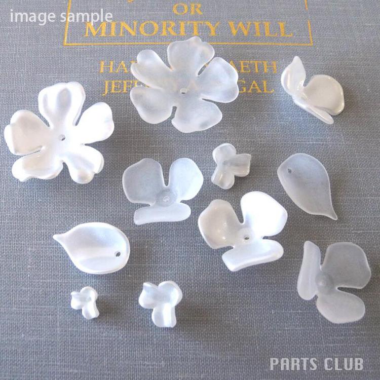 プラスチックパーツ / アクリルフラワー 5弁花(676) / WH / 約30mm